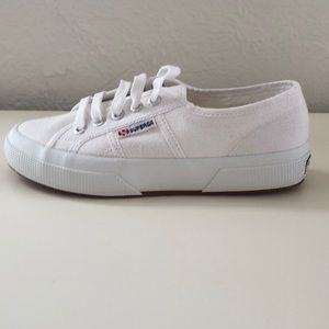 NWT | Superga Women's 2750 Canvas Sneakers | US 6
